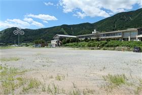 立野駅横旧立野小学校敷地