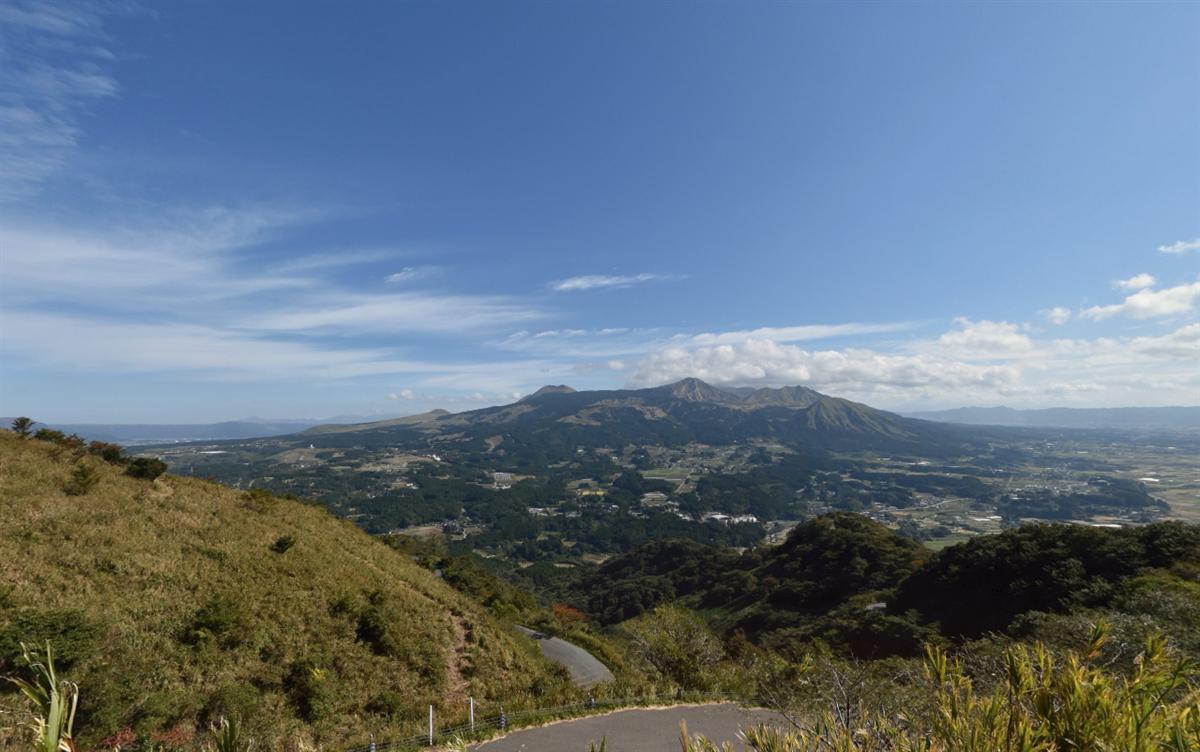 俵山展望所からの南阿蘇村の景色